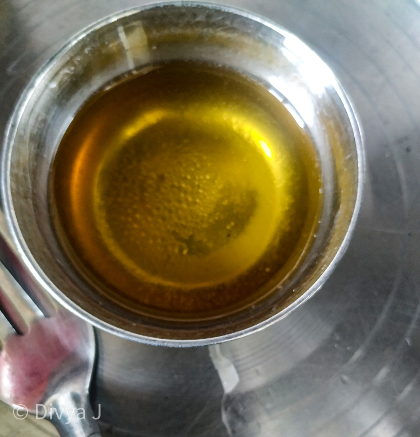 Melting of Beeswax and Coconut Oil in a double boiler for a diy lipbalm