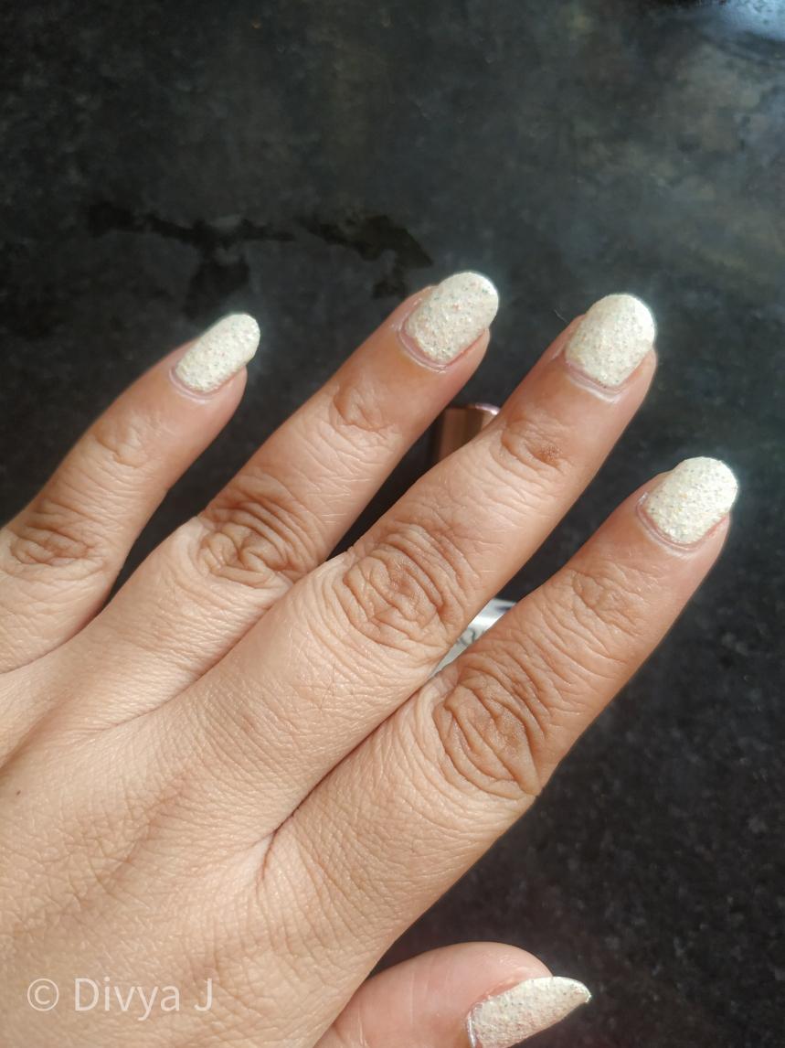 Colorbar Arteffects Jersey-Hacci nail polish shot