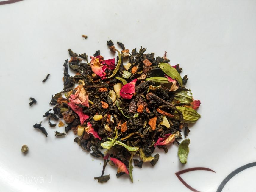 Texture shot of Saffron Kahwa Green tea from Teatrunk