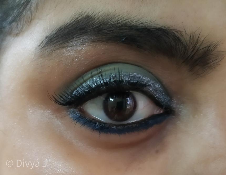 Wet n wild Eyeshadow Liquid Catsuit Metallic gun metal as eyeliner